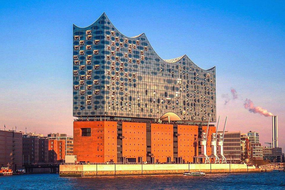 Opera- och musikresa till Hamburg, 30 januari – 2 februari med konsert och boende på Elbphilharmonie! Resan är inställd.